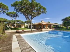 Vivienda unifamiliar for Ventas at House, 5 bedrooms, for Sale Loule, Algarve Portugal