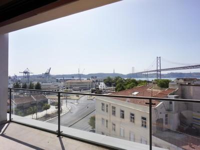 Apartment for sales at Flat, 4 bedrooms, for Sale Alcantara, Lisboa, Lisboa Portugal