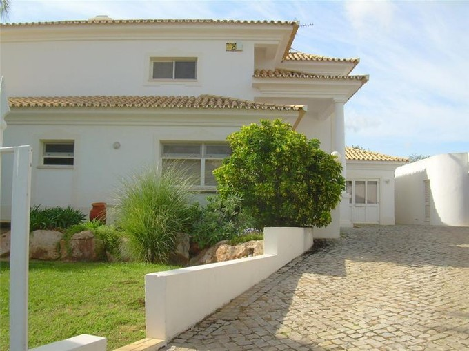 Tek Ailelik Ev for sales at House, 4 bedrooms, for Sale Loule, Algarve Portekiz