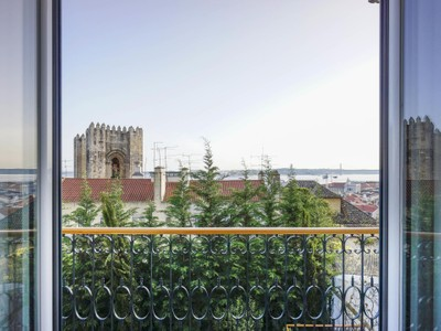 Квартира for sales at Flat, 4 bedrooms, for Sale Lisboa, Лиссабон Португалия
