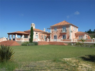 Частный односемейный дом for sales at Detached house, 4 bedrooms, for Sale Sintra, Лиссабон Португалия