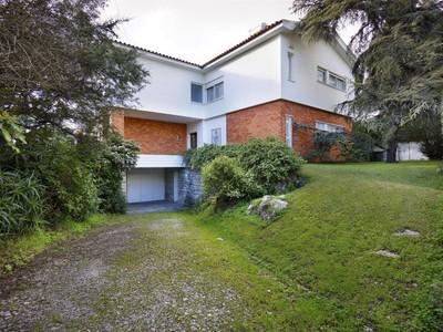 Частный односемейный дом for sales at House, 5 bedrooms, for Sale Restelo, Lisboa, Лиссабон Португалия