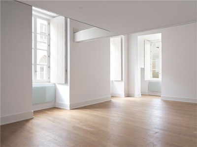 Квартира for sales at Flat, 4 bedrooms, for Sale Chiado, Lisboa, Лиссабон Португалия
