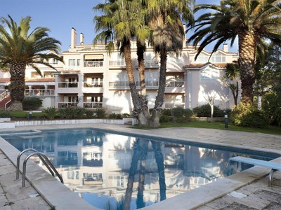 Квартира for sales at Flat, 3 bedrooms, for Sale Cascais, Лиссабон Португалия