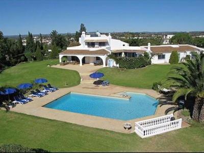 Частный односемейный дом for sales at House, 5 bedrooms, for Sale Albufeira, Algarve Португалия