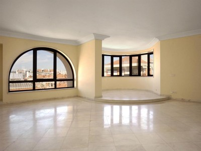 Apartment for sales at Flat, 3 bedrooms, for Sale Campo Pequeno, Lisboa, Lisboa Portugal