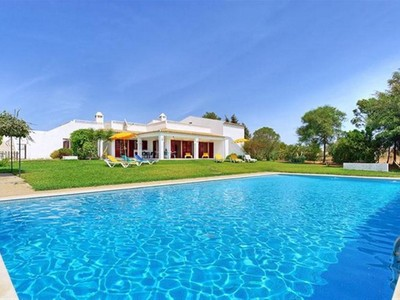 Частный односемейный дом for sales at Detached house, 8 bedrooms, for Sale Albufeira, Algarve Португалия