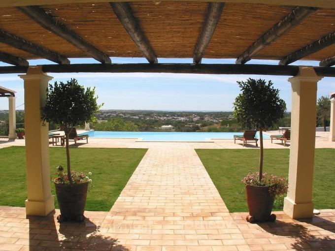 Nhà ở một gia đình for sales at House, 7 bedrooms, for Sale Loule, Algarve Bồ Đào Nha
