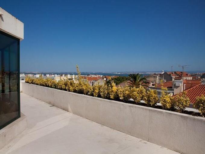 Apartamento for sales at Flat, 5 bedrooms, for Sale Graca, Lisboa, Lisboa Portugal