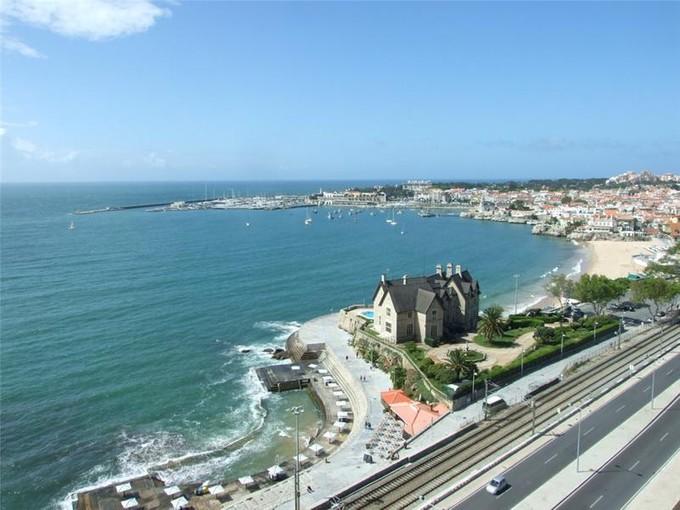Apartamento for sales at Flat, 5 bedrooms, for Sale Monte Estoril, Cascais, Lisboa Portugal