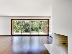 Additional photo for property listing at Flat, 5 bedrooms, for Sale Quinta Da Marinha, Cascais, Lisboa Portugal