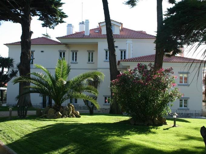 Casa Unifamiliar for sales at House, 8 bedrooms, for Sale Parede, Cascais, Lisboa Portugal