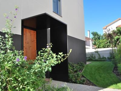 Casa para uma família for sales at Terraced house, 3 bedrooms, for Sale Queijas, Oeiras, Lisboa Portugal