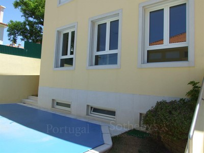 Casa Unifamiliar for sales at House, 3 bedrooms, for Sale Cascais, Lisboa Portugal
