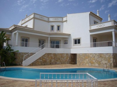 Частный односемейный дом for sales at House, 4 bedrooms, for Sale Albufeira, Algarve Португалия