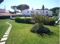 단독 가정 주택 for sales at Semi-detached house, 5 bedrooms, for Sale Loule, Algarve 포르투갈