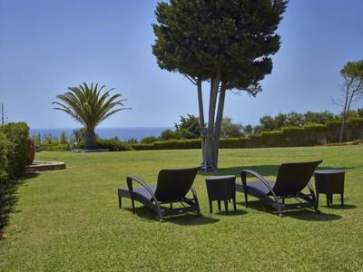 Villa for sales at Detached house, 8 bedrooms, for Sale Albufeira, Algarve Portogallo
