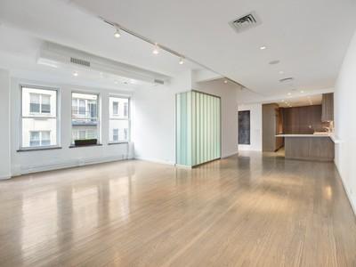 Maison unifamiliale for sales at Doorman Condo Loft in North Tribeca 429 Greenwich Street Apt 5a   New York, New York 10013 États-Unis