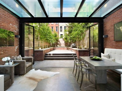 Townhouse for sales at 211 East 61st Street  New York, New York 10065 United States