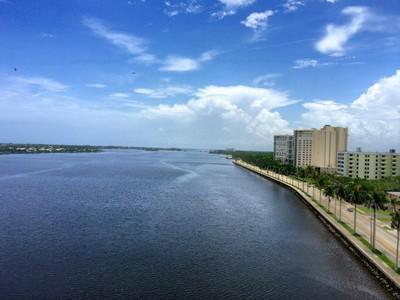 Copropriété for sales at Trianon Condo - West Palm Beach 1200 S Flagler Dr Apt 1006 West Palm Beach, Florida 33401 États-Unis