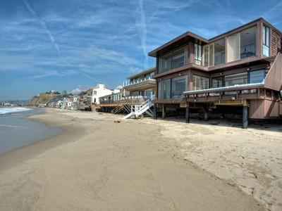 獨棟家庭住宅 for rentals at La Costa Beach Summer Lease 21468 Pacific Coast Hwy Malibu, 加利福尼亞州 90265 美國