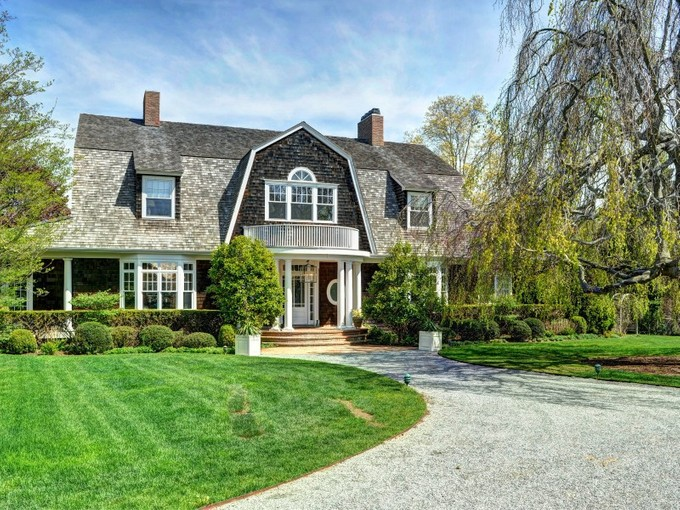 Single Family Home for rentals at East Hampton Village Pool and Tennis   East Hampton Village, East Hampton, New York 11937 United States
