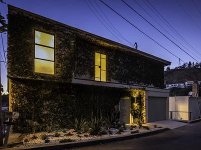 Villa for sales at Hollywood Hills Contemporary 8560 Franklin Avenue  Los Angeles, California 90069 Stati Uniti