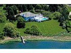 Villa for  sales at Waterfront Estate on Captains Neck Lane  Southampton, New York 11968 Stati Uniti
