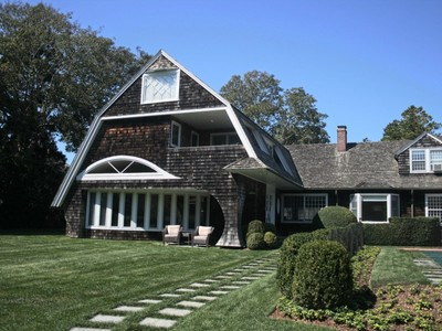Maison unifamiliale for rentals at Coveted Lily Pond  East Hampton, New York 11937 États-Unis