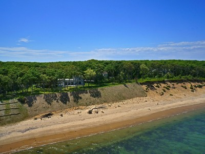 Частный односемейный дом for sales at Sweeping Views of Gardiners Bay  East Hampton, Нью-Мексико 11937 Соединенные Штаты