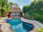 独户住宅 for  sales at Secluded Cheviot Hills Compound 3246 Shelby Dr   Los Angeles, 加利福尼亚州 90034 美国