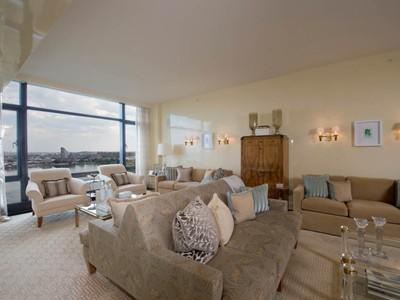 Condomínio for sales at 170 East End - Triple Mint & River Views   New York, Nova York 10128 Estados Unidos