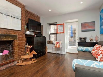 Nhà tập thể for sales at 118 Suffolk Street, 1B 118 Suffolk Street Apt 1b New York, New York 10002 Hoa Kỳ