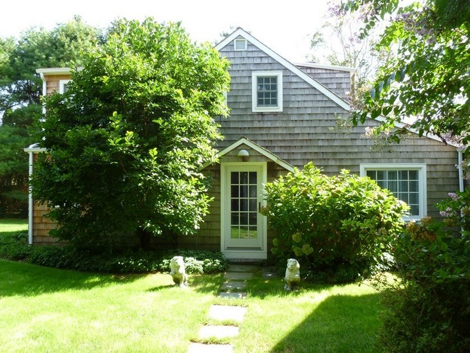 Single Family Home for rentals at Georgica Carriage House   East Hampton Village, East Hampton, New York 11937 United States