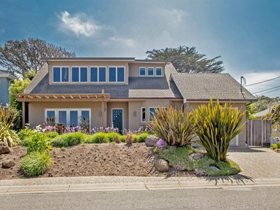 獨棟家庭住宅 for sales at Fabulous Beach/Bay View Home 1209 Surf Avenue Pacific Grove, 加利福尼亞州 93950 美國