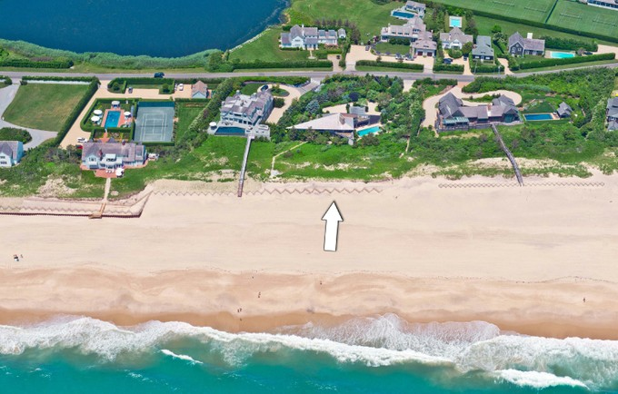 Einfamilienhaus for sales at Oceanfront Southampton   Southampton, New York 11968 Vereinigte Staaten