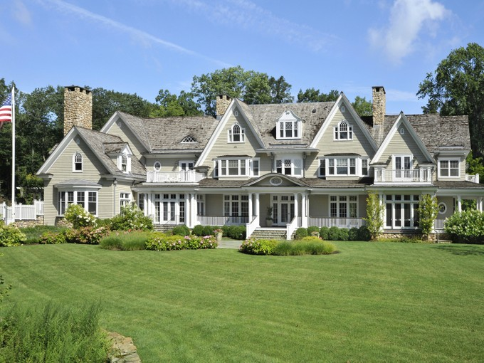 Maison unifamiliale for sales at Round Hill Country Elegance 44 Mooreland Road Greenwich, Connecticut 06831 États-Unis