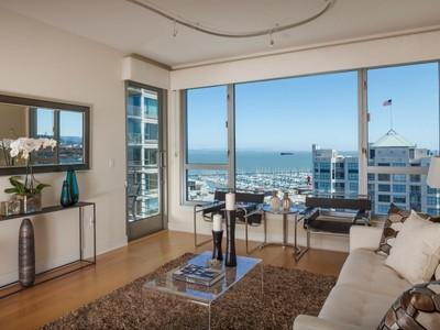 Condomínio for sales at An Exceptional South Beach Residence 239 Brannan St Unit 12g San Francisco, Califórnia 94107 Estados Unidos