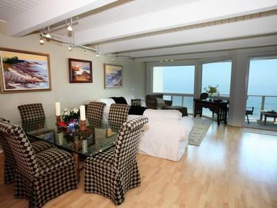 Maison de Ville for rentals at Ocean Lover's Dream, Sale or Lease 11876 Beach Club Way Malibu, Californie 90265 États-Unis