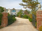 一戸建て for  rentals at Private Palazzo with Dock on Mecox Bay   Bridgehampton, ニューヨーク 11932 アメリカ合衆国