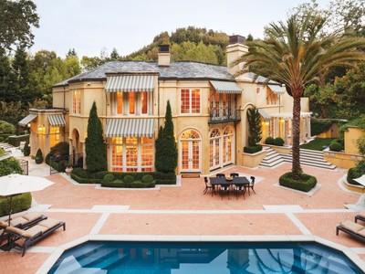 Casa Unifamiliar for sales at Modern Italian Villa on Ross' Gold Coast 2 Upper Road Ross, California 94957 United States
