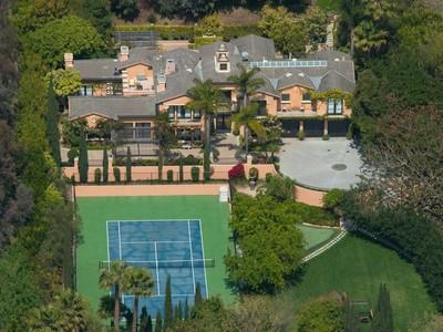 Casa para uma família for sales at Classic Garden Villa 6395 Meadows Court Malibu, Califórnia 90265 Estados Unidos