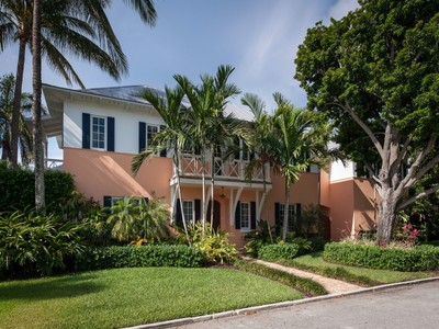獨棟家庭住宅 for sales at Beautiful British West Indies 7601 S Flagler Dr West Palm Beach, 佛羅里達州 33405 美國
