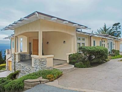 Vivienda unifamiliar for sales at Panoramic Setting 154 San Remo Road Carmel, California 93923 Estados Unidos