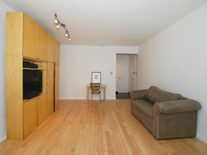 Co-op for sales at Absolute Location 60 East 9th Street Apt 214 New York, New York 10003 United States