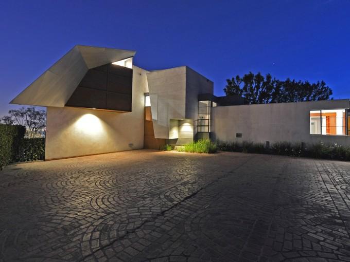 Maison unifamiliale for sales at Architectural Promontory Compound 1375 Summitridge Place Los Angeles, Californie 90210 États-Unis