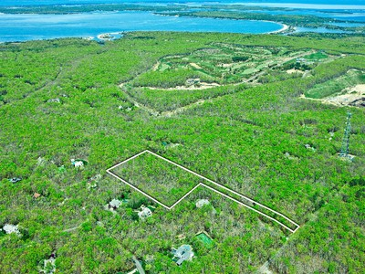地產 for sales at 4,880 Parcel of Land in North Water Mill  Sag Harbor, 紐約州 11963 美國
