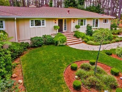 Villa for sales at 17 Mile Drive Treasure 4020 Ronda Road Pebble Beach, California 93953 Stati Uniti