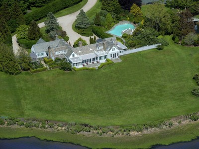 Casa para uma família for sales at Captains Neck Bayfront Estate 595 Captains Neck Lane   Southampton, Nova York 11968 Estados Unidos