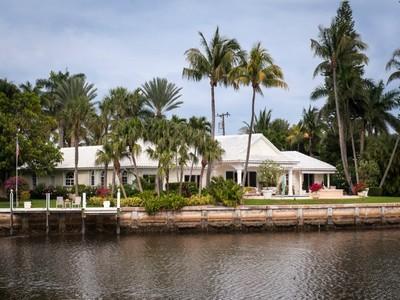独户住宅 for sales at Exquisite Waterfront Estate 63 Curlew Rd Manalapan, 佛罗里达州 33462 美国